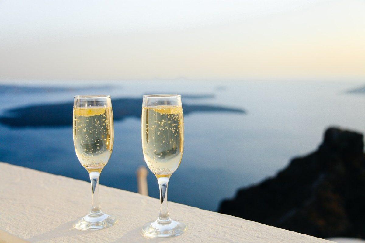 結婚祝いでおすすめのシャンパン・グラス3選!